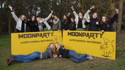 promo Moonparty 2016 Gidsen Mol Achterbos  - foto Yvo Geerts